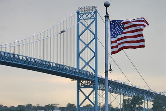 Detroit-Windsor bridge
