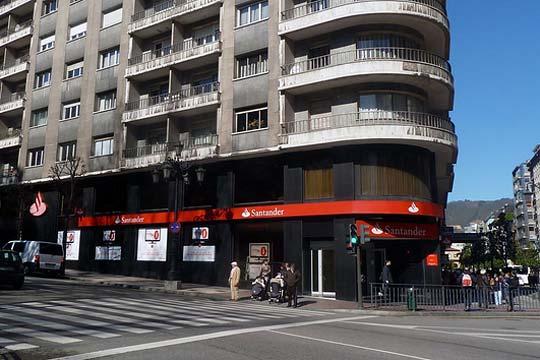 banco santander enters canada