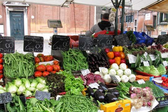 Italy street market